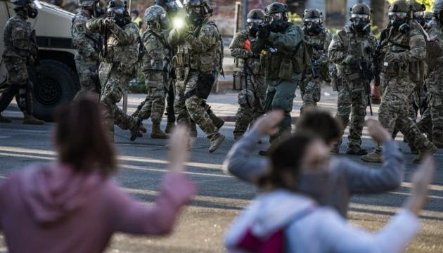У 25 містах США запровадили комендантську годину через протести