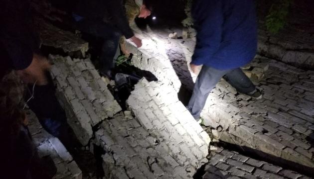 На Київщині під завалами закинутої будівлі загинув 13-річний хлопчик