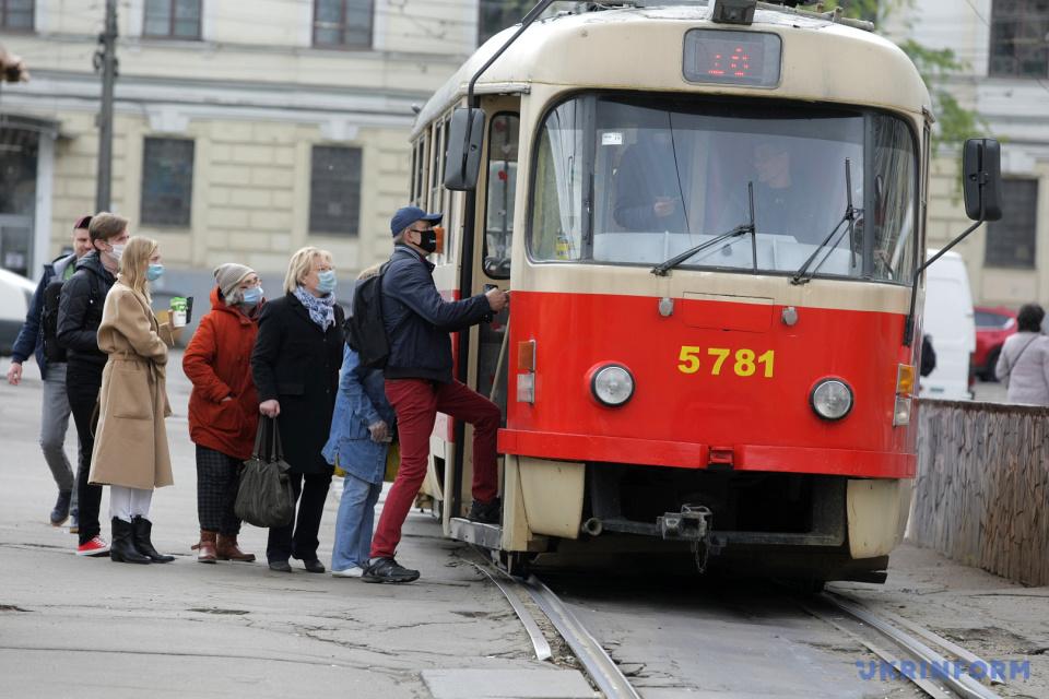 運行再開したキーウの路面電車 写真:イェウヘン・コテンコ/ウクルインフォルム