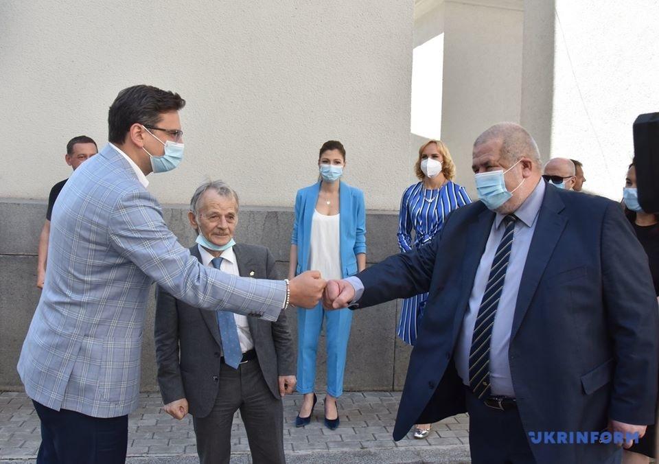 クレーバ外相、ジェミレフ氏、チュバロフ・メジュリス代表