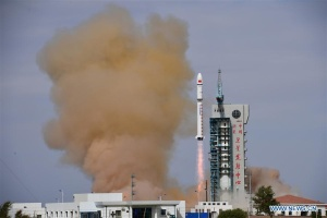 Китай отправил на орбиту два спутника