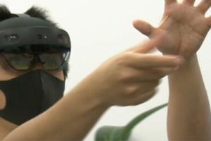 """В Японії розробили технологію """"змішаної реальності"""" для боротьби з COVID-19"""