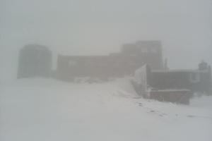 Schnee am ersten Sommertag in den Karpaten