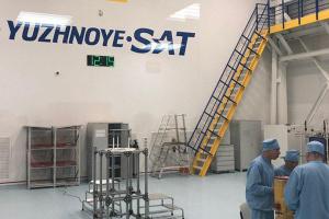 """КБ """"Південне"""" встановлює німецьке обладнання для розробки космічних апаратів"""