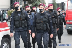 Polizei nimmt Bombendroher auf Metro-Brücke fest