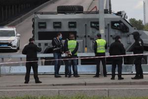 """У """"мінера"""" мосту Метро був муляж вибухівки - поліція"""