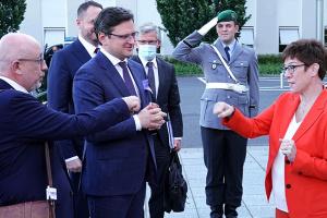 Переговоры в Берлине: антураж вдохновляет, подробности – за кулисами