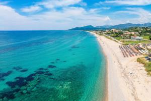 Названы самые безопасные пляжи Европы для отдыха во время пандемии
