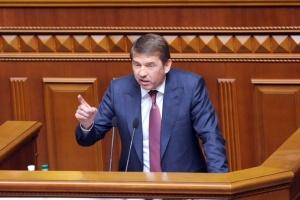 """Смерть Давиденка: депутат каже, що округ почали """"ділити"""" ще до похорону"""