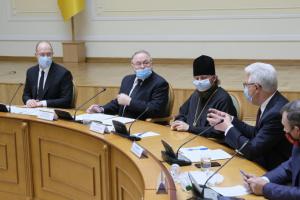 Шмигаль зустрівся з представниками Всеукраїнської ради церков