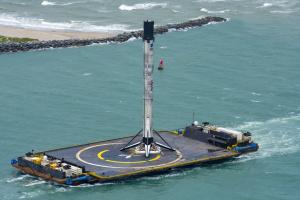 На космодром повернулася ракета Falcon 9, яка відправила астронавтів на МКС