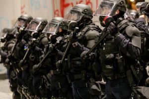 Facebook закрыл группы, призывавшие идти на протесты в США с оружием