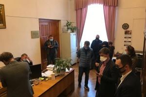 В красный корпус университета Шевченко пришли с обысками - источник