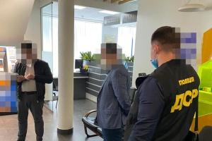 У Києві спіймали прокурора на хабарі у $100 тисяч