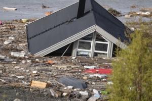 В Норвегии из-за оползня смыло в море восемь домов