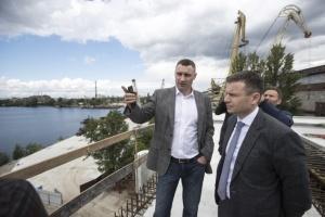 Кличко показал, как строят Подольско-Воскресенский мост