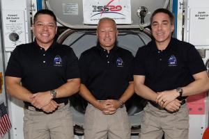 У NASA розповіли, чим займалися астронавти Crew Dragon у перший тиждень на МКС