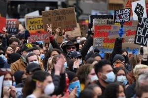 В Австралии прошли акции солидарности с протестами в США