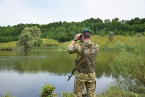 Пограничники спасли мужчину, которого унесло течением в Венгрию после прыжка в реку