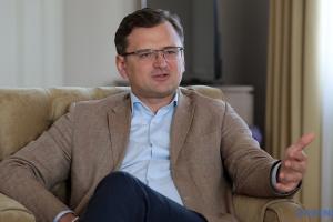 """Питання Криму в """"мінському форматі"""" може заблокувати переговори щодо Донбасу – Кулеба"""