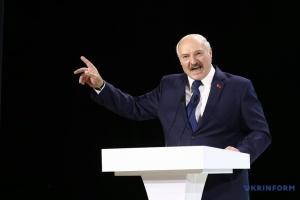 Лукашенко вважає, що українці заздрять білорусам