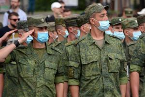 Парад в оккупации и коронавирус: сегодня строем по улицам, а завтра – в инфекционку
