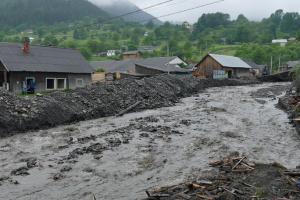 На заході України ввечері можливі паводки, селі та зсуви ґрунту - ДСНС