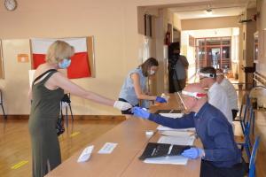 МОЗ Польщі: після виборів у країні немає сплеску COVID-19