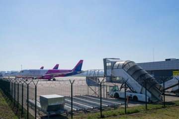 Kyiv International Airport intends to lay off half of its staff