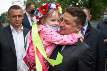 Zelensky visits center for social rehabilitation of children in Kyiv