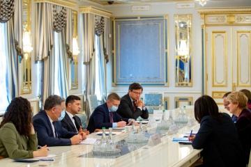 Zełenski spotkał się z szefową przedstawicielstwa UNICEF na Ukrainie
