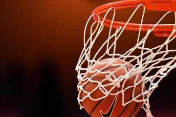 НБА: «Милуоки» разгромил «Орландо», «Даллас» уступил «Сан-Антонио»