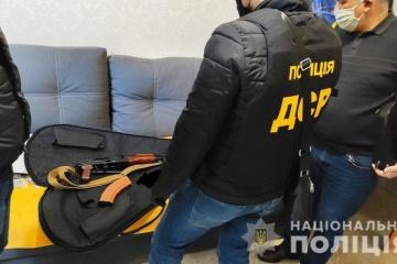 У участников стрельбы в Броварах провели обыски — МВД