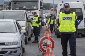 Испания на две недели раньше откроет границу с соседями