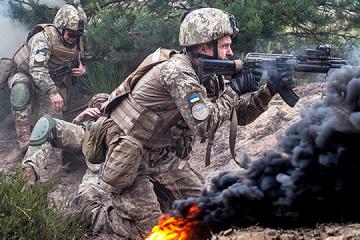 Dos militares ucranianos resultan heridos cerca de Opytne y Mariinka