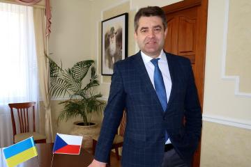 Ambassador Perebyinis meets with heads of Ukrainian organizations in Czech Republic