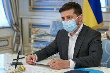 ゼレンシキー大統領、新型コロナから回復 通常職務へ復帰