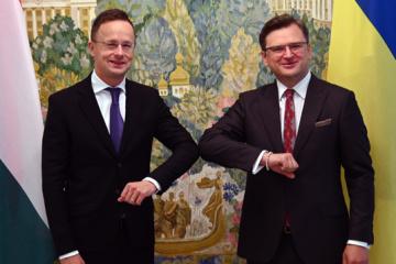 """Kuleba umówił się z Szijarto """"przewrócić stronę"""" dyplomatycznych skandali"""