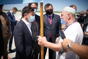 President inspects reconstruction of Kherson airport