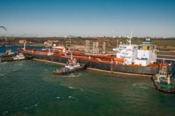 Descargado el quinto petrolero para Belarús en Ucrania