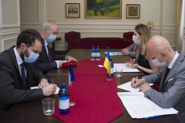 Dżaparowa omówiła z ambasadorem Francji priorytety w obronie suwerenności Ukrainy