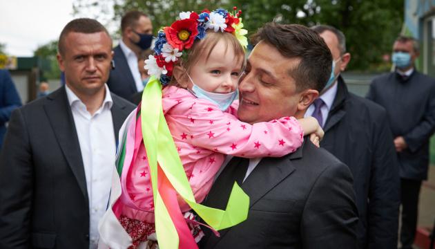 Zelensky visits center for social rehabilitation of children in Kyiv