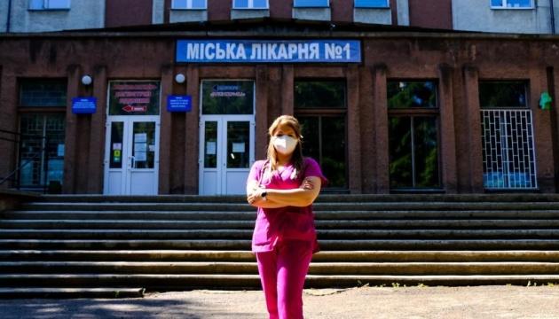 Врач из Черновцов во второй раз заболела COVID-19