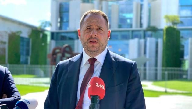 Andriy Yermak : Kyiv demande aux autorités biélorusses de libérer les journalistes ukrainiens