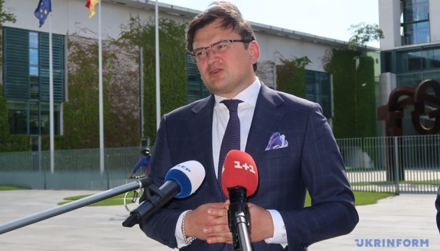 Україна не погодиться на жодні особливі статуси ОРДЛО за російським сценарієм – Кулеба