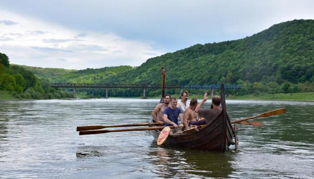 На Прикарпатті створюють тури для охочих відчути себе вікінгами