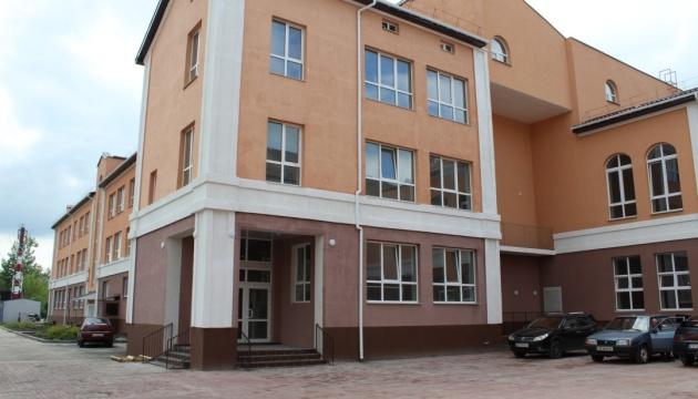 На Чернігівщині оновлюють гімназію, якій 150 років
