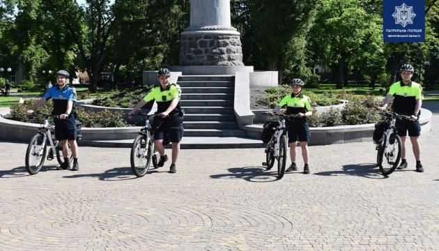 На вулиці Чернігова вперше виїхав поліцейський велопатруль