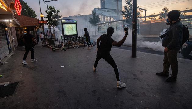 У Парижі поліція затримала 18 учасників антирасистського протесту