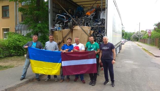 Конгрес українців Латвії відправив 47-й гуманітарний вантаж в Україну